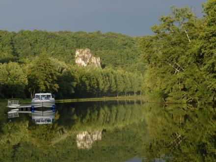 Reflet de la Roche sur la canal